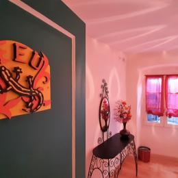 2ème étage - Chambre Feu - 2 lits 1 pers. côte à côté (2x90x190 cm). - Chambre d'hôtes - Brioude