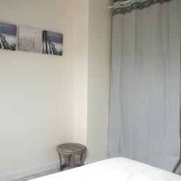 chambre grand lit - Location de vacances - Assérac