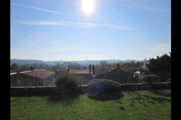 Au pied de la Tour à Oudon vue  du jardin©VCC/LAD - Chambre d'hôtes - Oudon