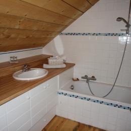La salle de bain - Location de vacances - Le Cellier
