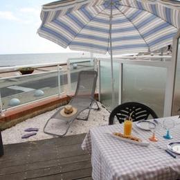 cuisine et espace repas - Location de vacances - Saint Marc Sur Mer