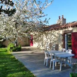 Façade coté jardin - Location de vacances - La Marne