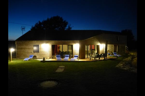 Terrasse et jardin de nuit - Location de vacances - Pornic