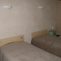 chambre 2 - Location de vacances - Saint-Même-le-Tenu