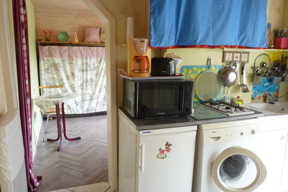 Cuisine vue sur salon - Location de vacances - Saint-Brevin-les-Pins