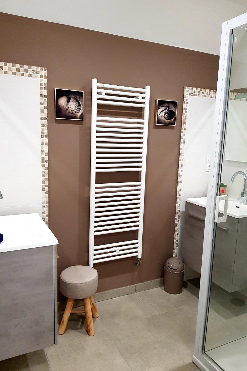 salle d'eau privative au dortoir - Chambre d'hôtes - Le Pin