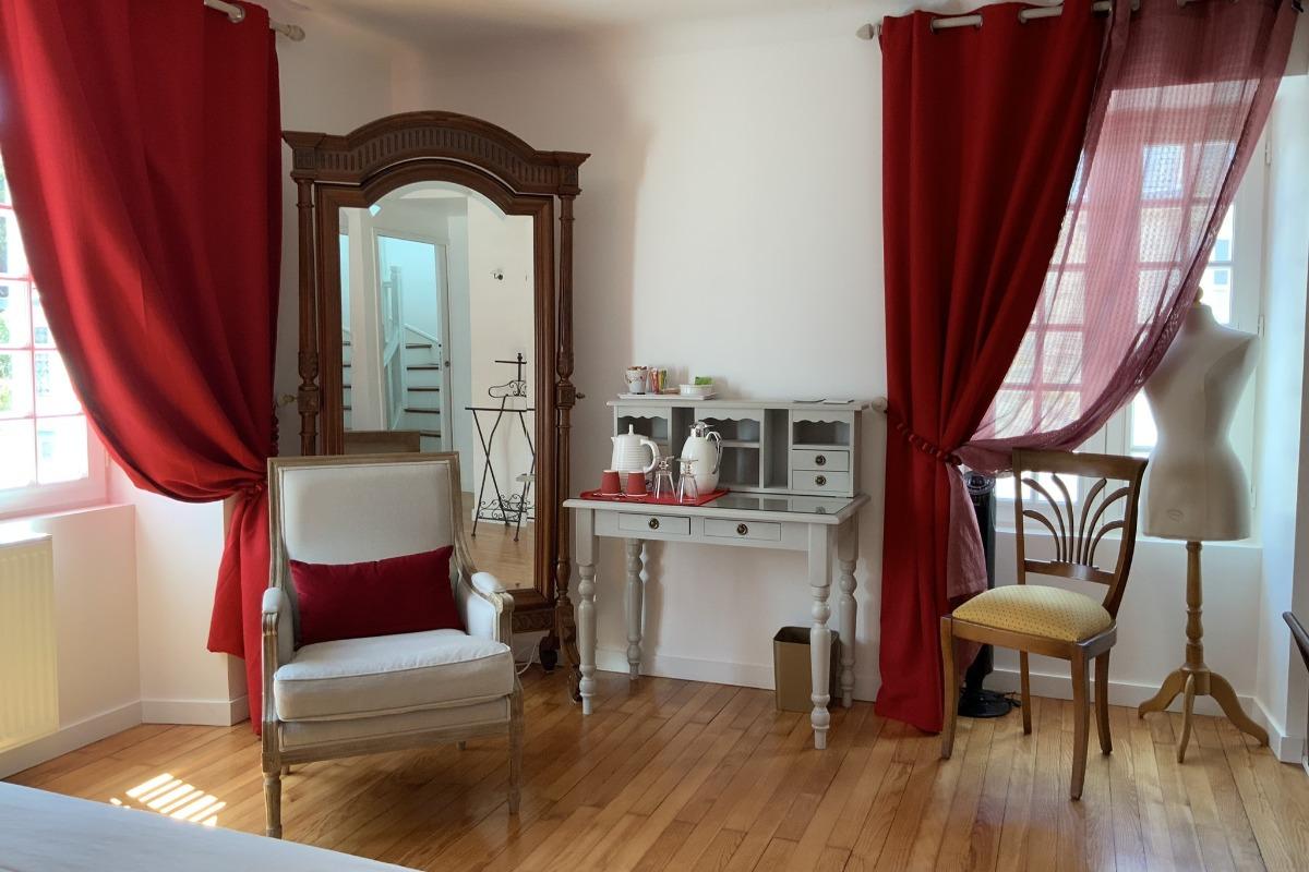 Faire Une Belle Chambre ty gailall - 16th century guest house, guest rooms à le