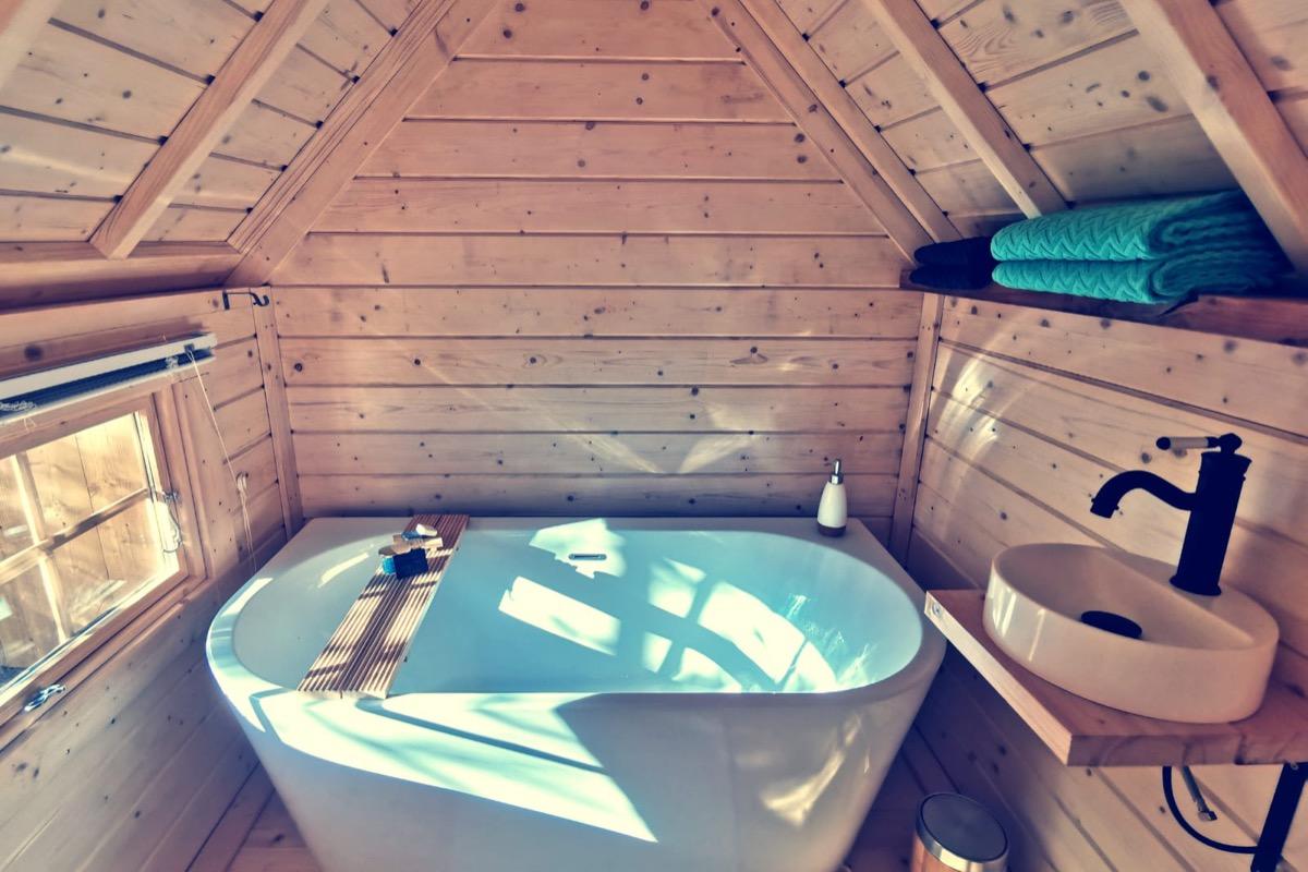 Salle de bain privative kota «le repère du kontio»  Chambres d'hôtes Juste par hasard - St Michel Chef Chef - Chambre d'hôtes - Saint-Michel-Chef-Chef