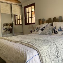 Chambre 2 avec lit de 160 (ou 2 fois 80), accès PMR  - Location de vacances - Saint-Michel-Chef-Chef