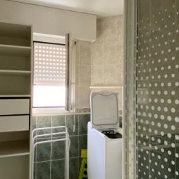 Salle de douche avec lave linge - Location de vacances - Pornichet