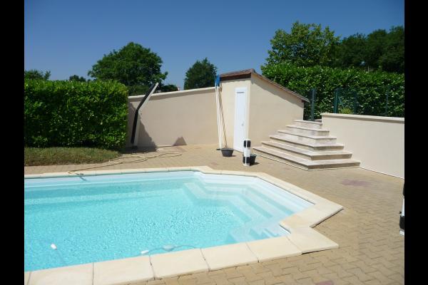 piscine avec bache d'été et chauffée  - Location de vacances - Duravel