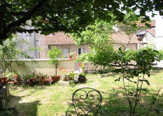 jardin plein sud - Location de vacances - Figeac