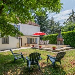 Vue de la maison côté jardin - Location de vacances - Labastide-Murat