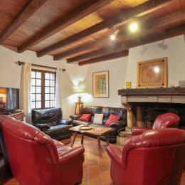 terrasse, table pour 12 personnes - Location de vacances - Lacam-d'Ourcet