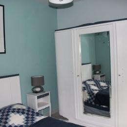 Chambre arrière  - Location de vacances - Luzech