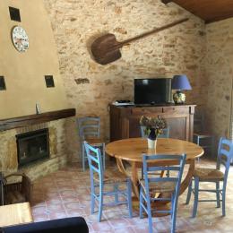 salle de séjour - Location de vacances - Puy-l'Évêque