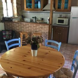 coin cuisine - Location de vacances - Puy-l'Évêque