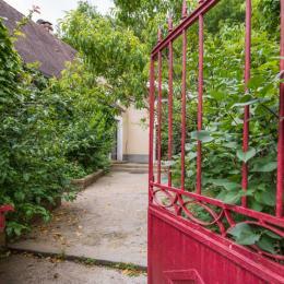 @N Coldefy Séjour vue sur entrée et cuisine - Location de vacances - Saint-Sauveur-la-Vallée
