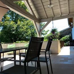 la petite terrasse en bois à l'ouest - Location de vacances - Lacam-d'Ourcet