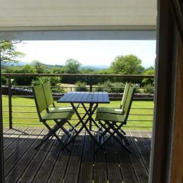 vue du jardin - Location de vacances - Lacam-d'Ourcet