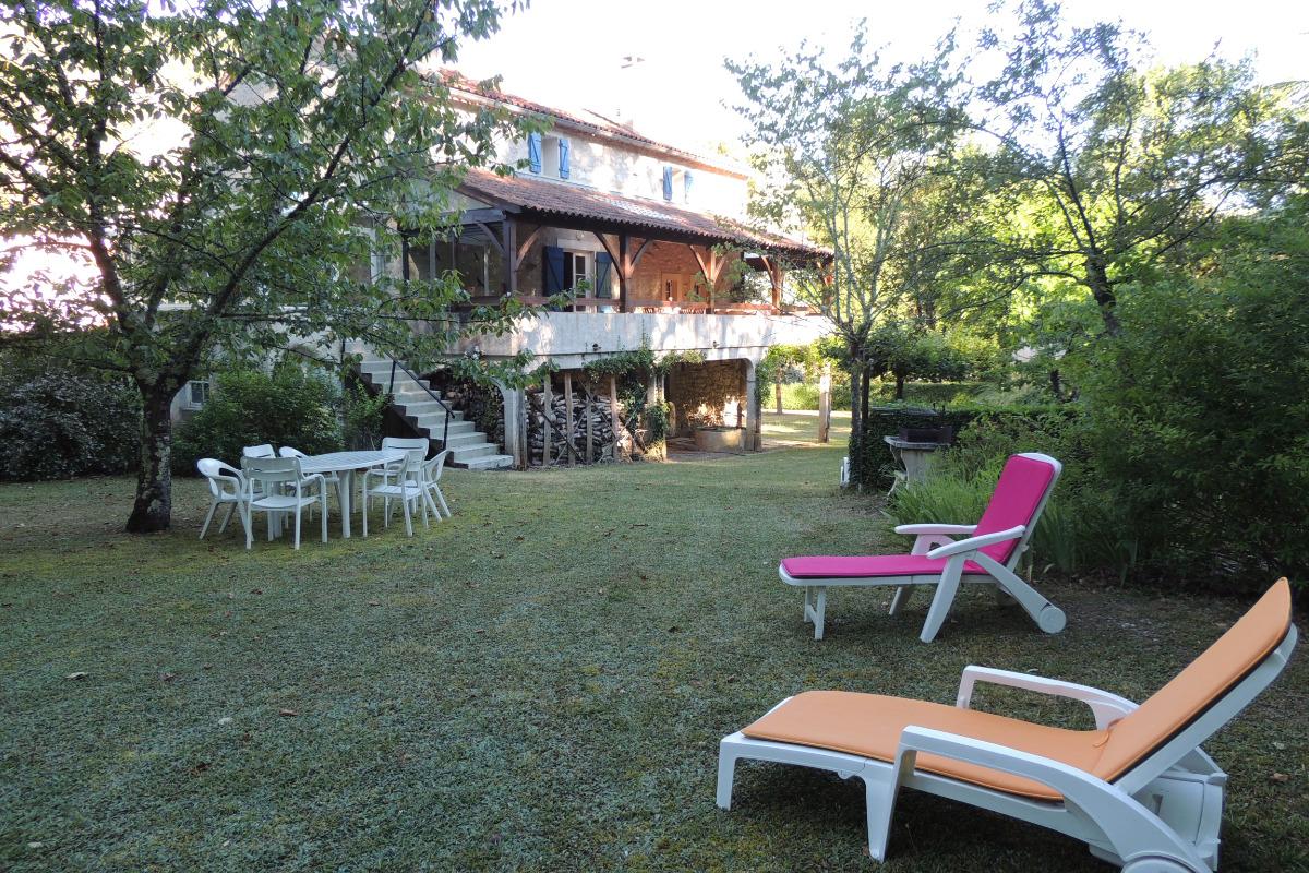 Le PARC et les terrasses  - Location de vacances - Douelle