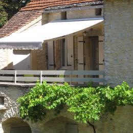 Terrasse avec la Plancha - Location de vacances - Concorès