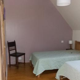 chambre à 2 lits de 90cm - Location de vacances - Cazillac