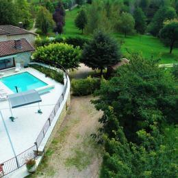 Entrée gîte piscine privée 8x4 environ - Location de vacances - Latronquière
