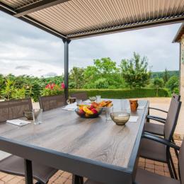 Plage piscine - Location de vacances - Saint-Médard-Nicourby