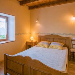 Jeux pour enfants dan parc - Location de vacances - Saint-Médard-Nicourby
