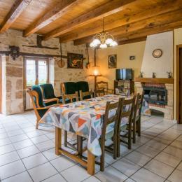Portillon entrée piscine  - Location de vacances - Saint-Médard-Nicourby