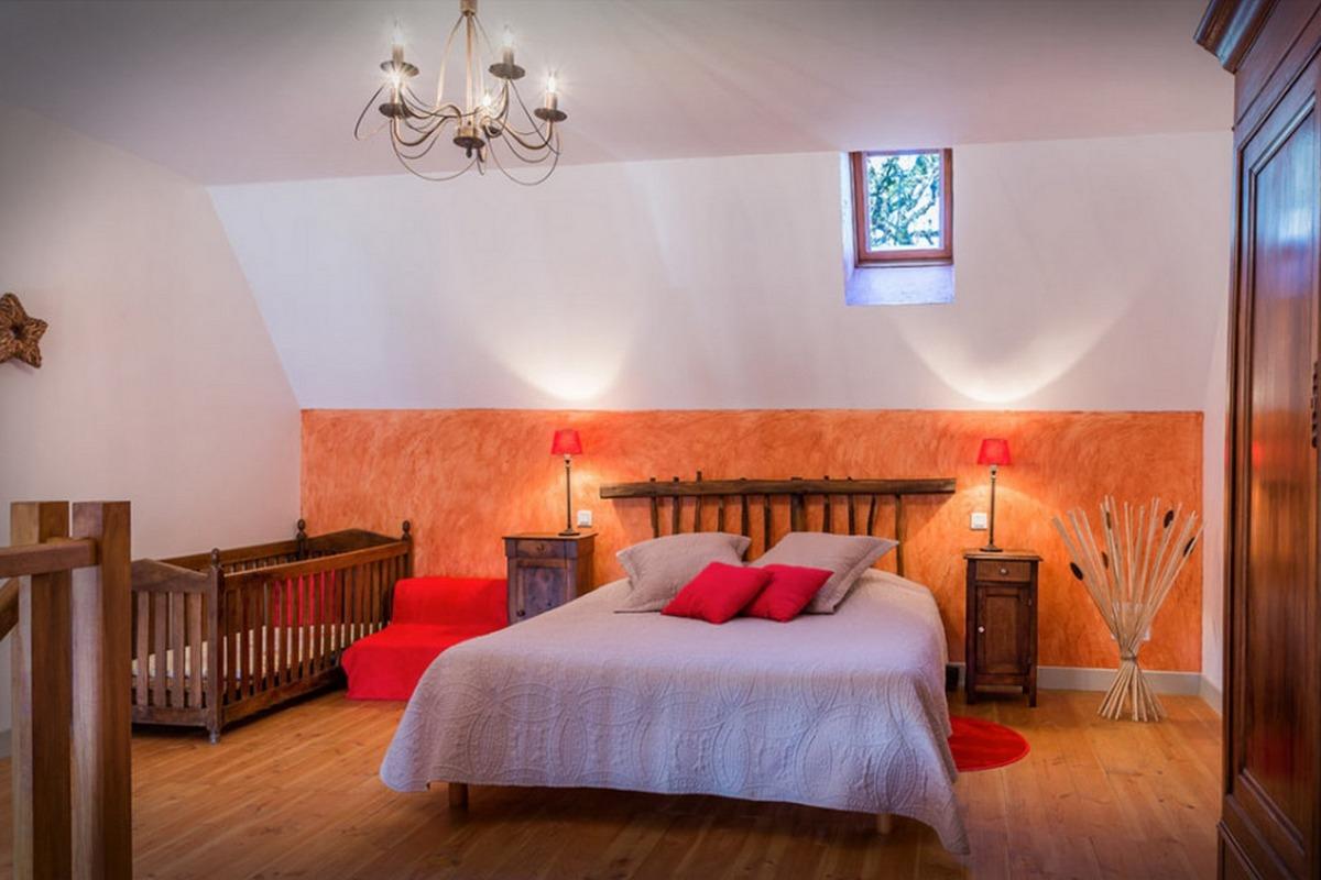 L'authenticité de l'ancien  - Suite en duplex Andromède  - Chambre à l'étage - Chambre d'hôtes - Espédaillac