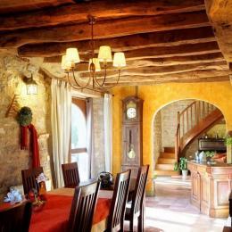Chambres et Jardin de Pierre - Salle du petit déjeuner - Chambre d'hôtes - Espédaillac