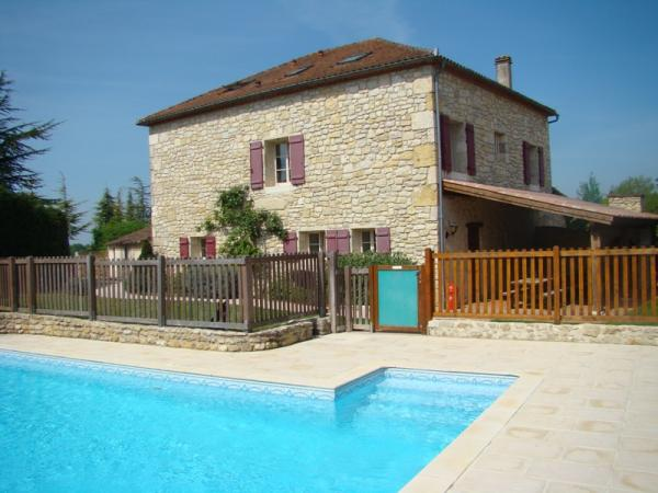 La maison vue de la piscine - Location de vacances - Thézac