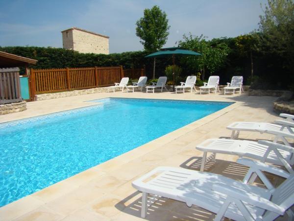 La piscine - Location de vacances - Thézac