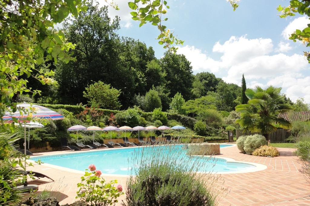 La piscine - Location de vacances - Pinel-Hauterive