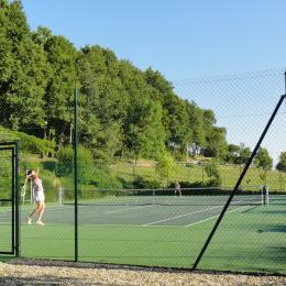 Le tennis - Location de vacances - Pinel-Hauterive