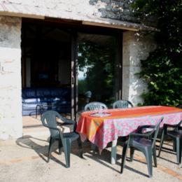 entrée de la maison - Location de vacances - Loubès-Bernac