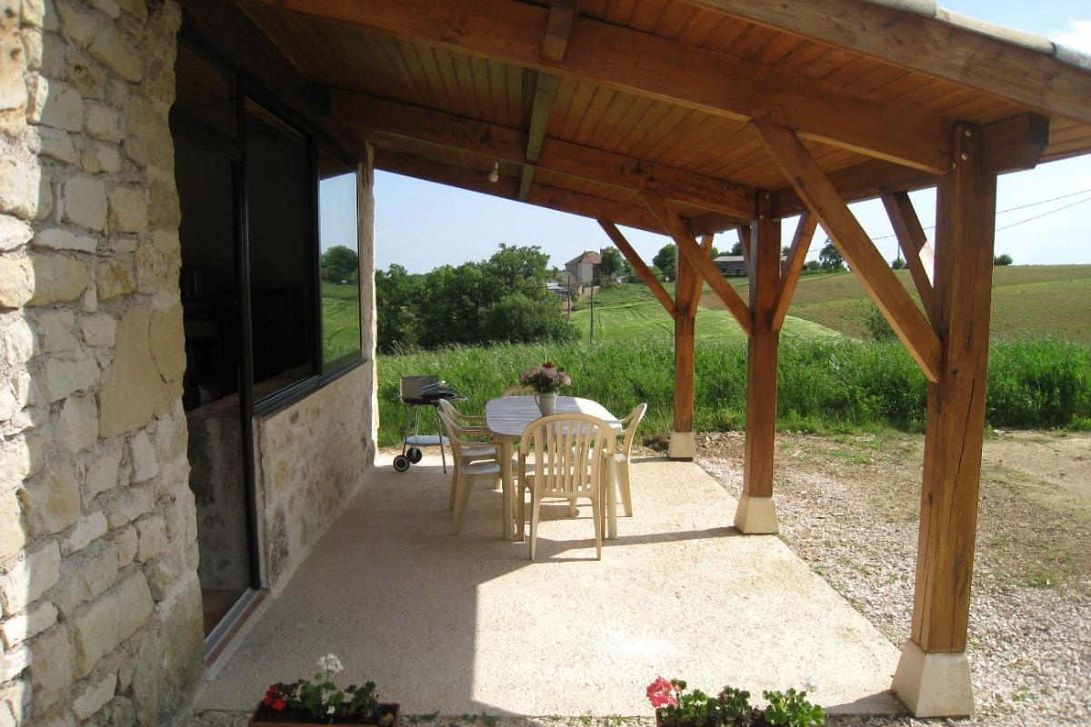 terrasse - Location de vacances - Thézac