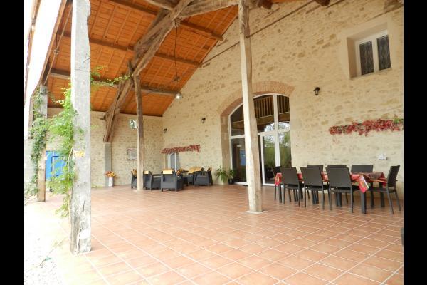 Préau 100 m2 - Location de vacances - Bourran