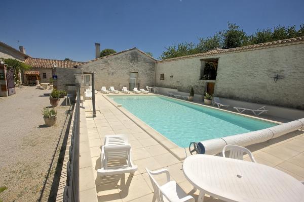 piscine cloturée 12x6 - Chambre d'hôtes - Penne-d'Agenais