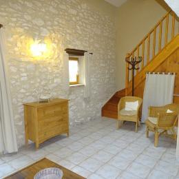 Gîte 2 Les Laurières - Le Vignal - Montée étage - Location de vacances - Monflanquin
