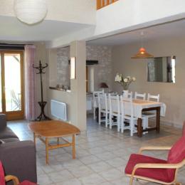 Le Vignal Gîte 3 Le Coin Salon Salle à manger - Location de vacances - Monflanquin