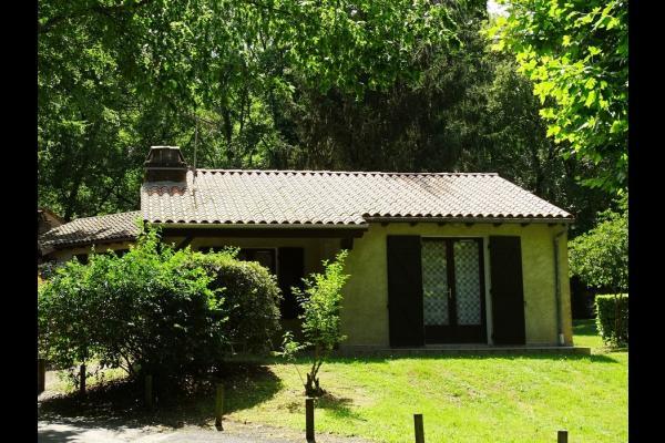 Gite Indpendant Au Coeur DUn Village De Gtes Bois Et Vallonn