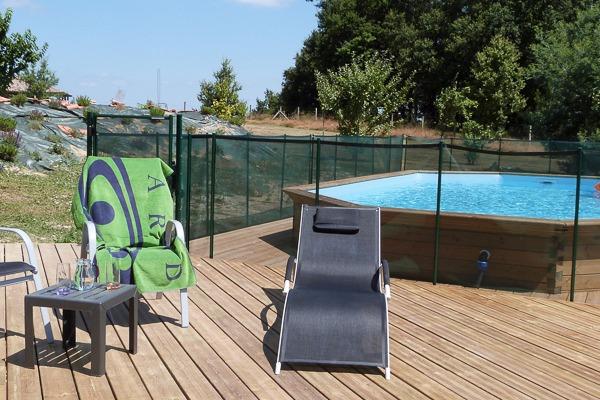 Suite de 2 chambres au 1er tage sur un parc commun avec for Casteljaloux piscine