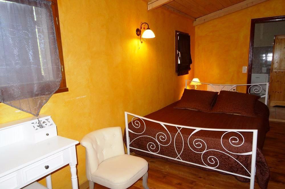 La chambre Méridienne, joliment décorée, avec parc, grande terrasse ...