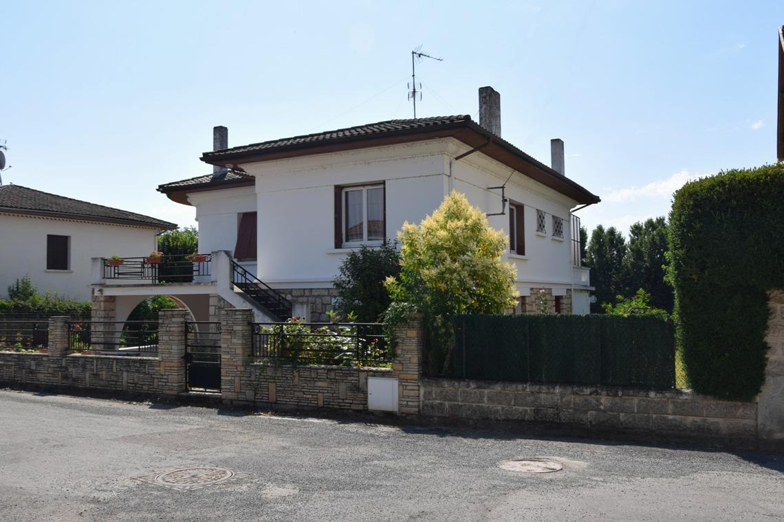 location au 1er étage - Location de vacances - Monsempron-Libos