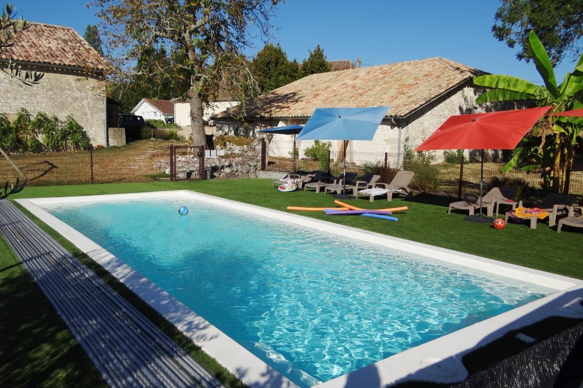 La piscine - Location de vacances - Castillonnès