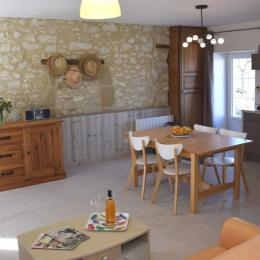 Salle salon - Location de vacances - Castillonnès