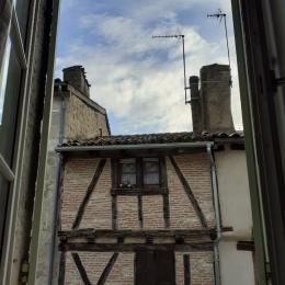 Rue Séderie, bâtiments anciens protégés de la ville de Nèrac - Chambre d'hôtes - Nérac